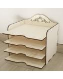<h2>Soporte 3D 004 Caja Scrap Calada</h2> <p>Fabricado en madera de chopo de 7mm de grosor</p> <p>Medidas (ancho x alto):</p> <ul> <li>32,5 x 32 cm</li> </ul> <p>Si lo quiere en otra medida envíenos un email</p>