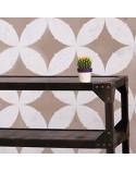 <p>Plantillas de gran formato para la decoración de habitaciones, paredes, techos, muebles, cortinas, alfombras, cojines, etc</p><p><ul><li>(S) 50 x 50cm - Diseño 48 x 48cm</li><li>(M) 50 x 66cm - Diseño 48 x 64cm</li><li>(L) 60 x 80cm - Diseño 54,6 x 77,2cm</li></ul></p>