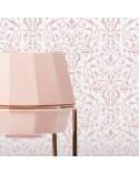 <p>Plantillas de gran formato para la decoración de habitaciones, paredes, techos, muebles, cortinas, alfombras, cojines, etc</p> <ul> <li>(S) 50 x 50cm - Diseño 47 x 47cm</li> <li>(M) 50 x 70cm - Diseño 47 x 67cm</li> <li>(L) 60 x 84cm - Diseño 57 x 81cm</li> </ul>