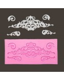 "<h2>Silicone Mold 027 Damask</h2> <p>Size<span>: 13,6 x 6,5 x 0,6 cm</span>.</p> <p>Especifically thought to realize relief details with <a href=""https://www.todostencil.com/en/paint/3590-relief-mastic-mya-flex-paste-8434856093626.html"">Relief Paste Flex Paste MYA</a></p> <p></p>"