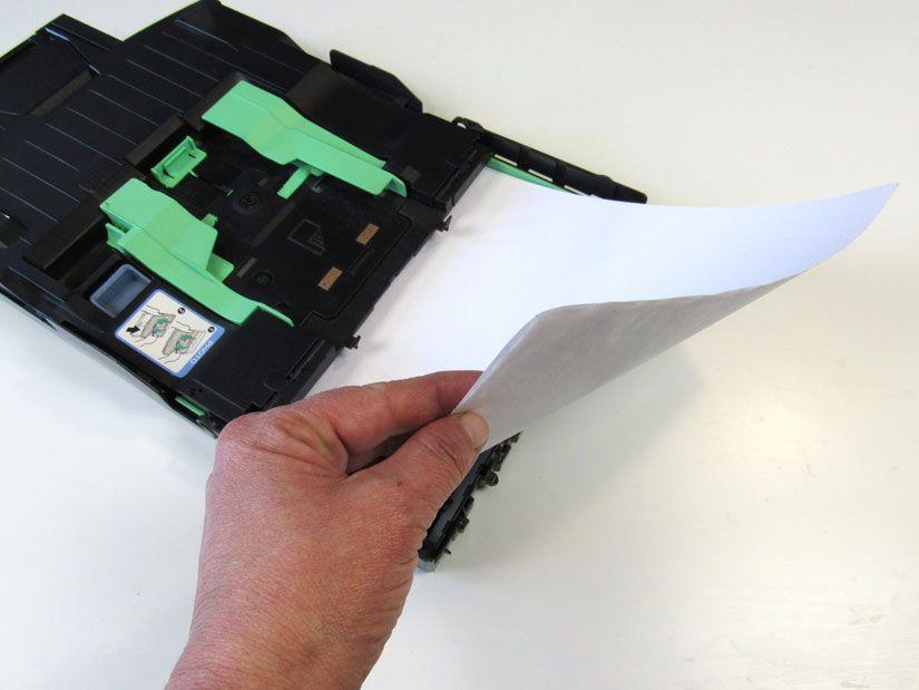 Preparación servilleta para impresión de estampación con sello caucho Mya de TodoStencil