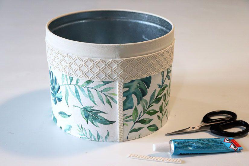 Customizar una lata con mya flex paste y decoupage de Todo Stencil