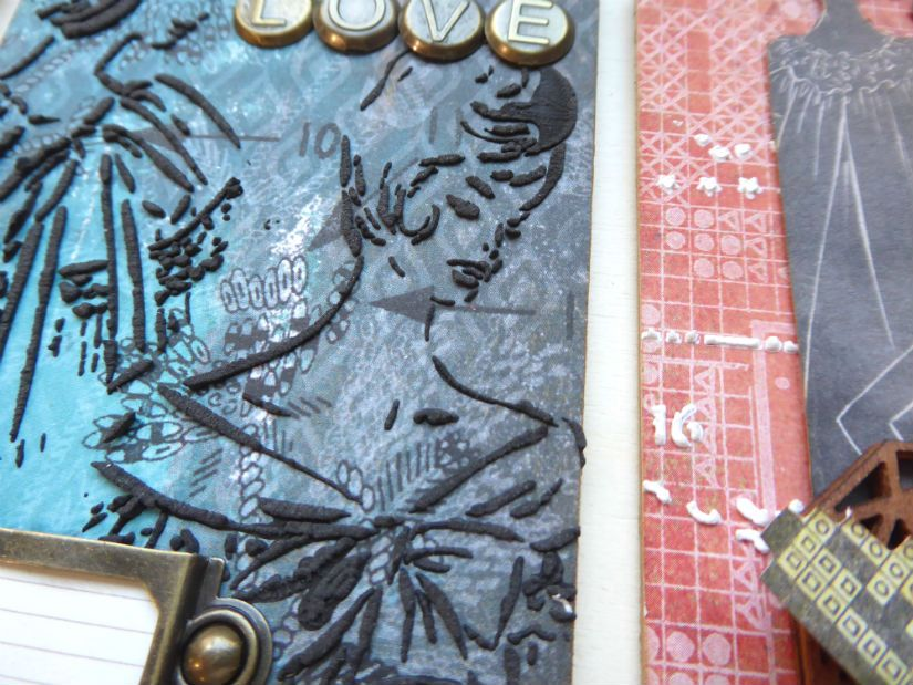 Detalle tag entretal con stencil y foam paint Mya de TodoStencil