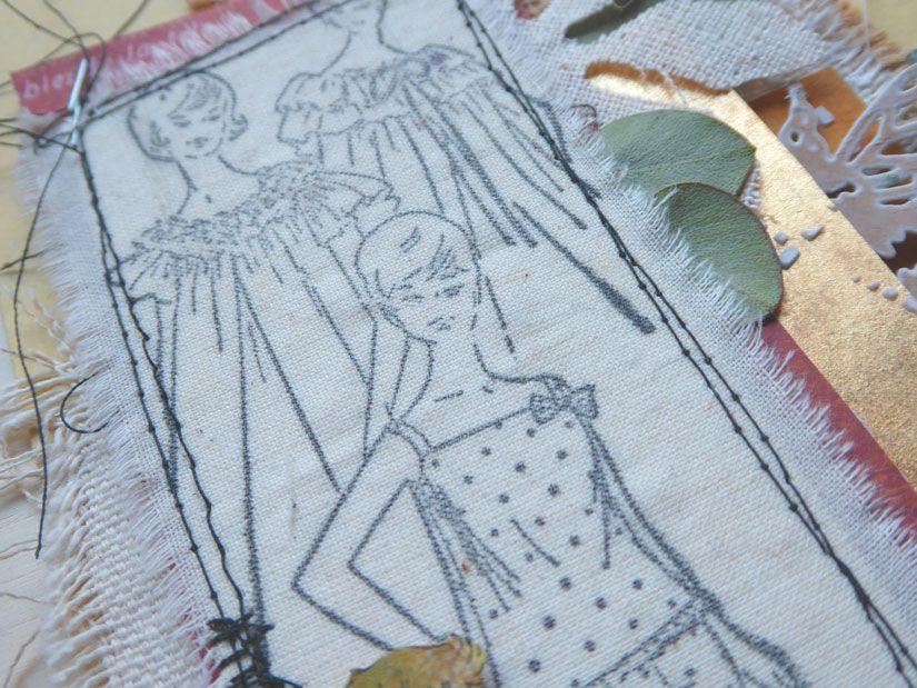 Sobre decorado con sellos caucho Mya, stencil y papeles Entretela de TodoStencil