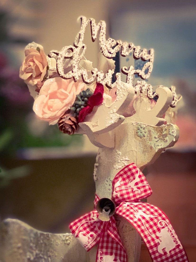 Ciervo 3D decorado para navidad con masilla, stencil y Mya foam paint de TodoStencil
