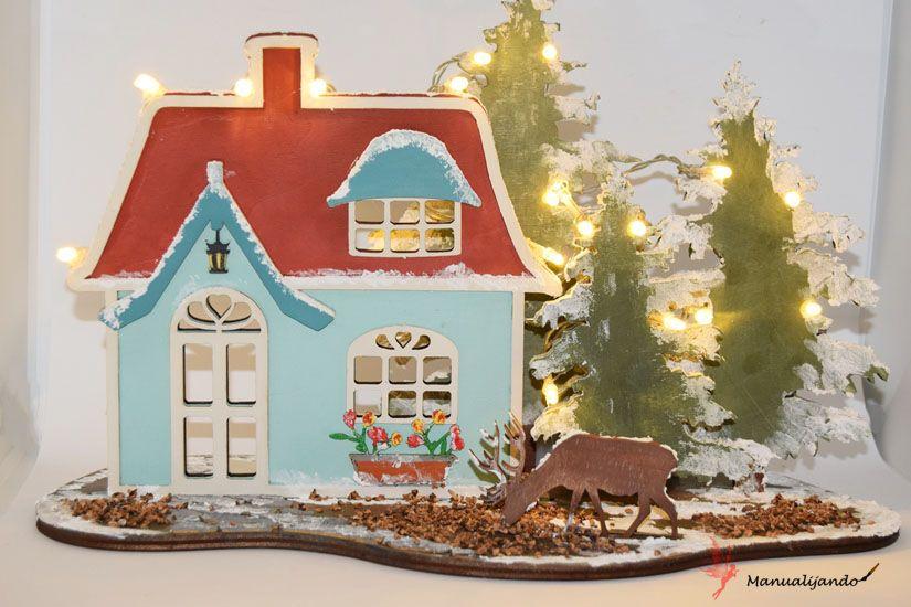 cabaña del bosque en Navidad de madera con mya chalkpaint y foam paint de TodoStencil