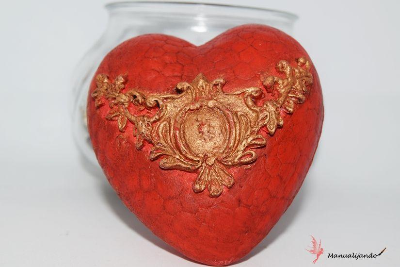 corazón de porex decorado con Mya flex paste y chalkpaint de TodoStencil
