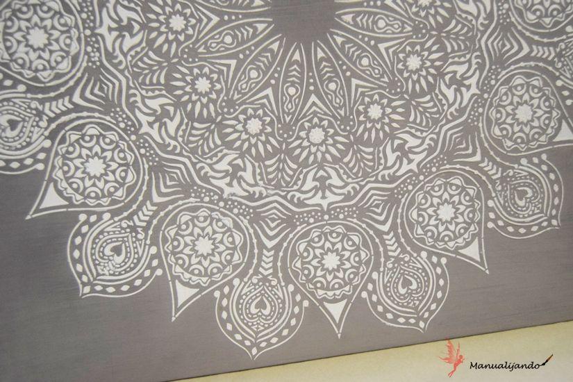 Detalle mandala XXL con plantilla y chalkpaint de TodoStencil