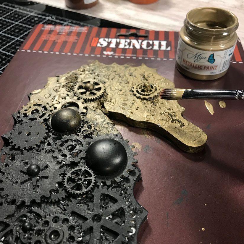 Tutorial caballito mar steampunk con stencil y mya chalkpaint de Todo Stencil