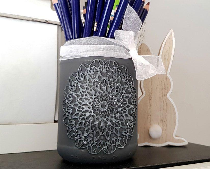 Tarro decorado con mya flex paste y chalkpaint de TodoStencil